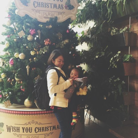 💟 Showcase: December Christmas Christmas Is Coming Taking Photos Family Sisters Looking Into The Future