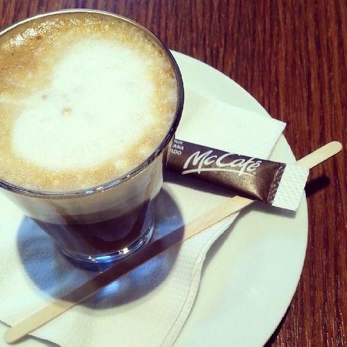 Hoy primer domingo de Rebajas ... necesito hacer una parada. Coffeetime ?.