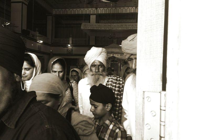 Monochrome Photography The Street Photographer - 2016 EyeEm Awards Up Close Street Photography Randompeople Throughadoor Takenbyme SikhTemple Gurudwara EyeEm Gallery Taken On Mobile Device Closeup Mumbai Indian Blackandwhite India Turban People And Places