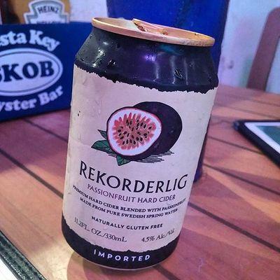 Super tasty. Recorderlig Passion Fruit Hard Cider Cider Hardcider Recorderlig Passionfriut Craftcider Recorderligcider Siestakey Siestakeyoysterbar Skob Srq Sarasota
