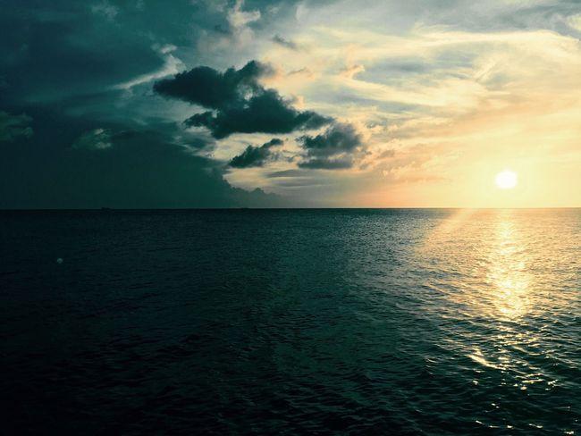 Sea Water Horizon Over Water Sunset Scenics Nature Tranquility Sky Tranquil Scene Beauty In Nature Sun Idyllic No People Horizon Beach Outdoors curacao EyeEmNewHere