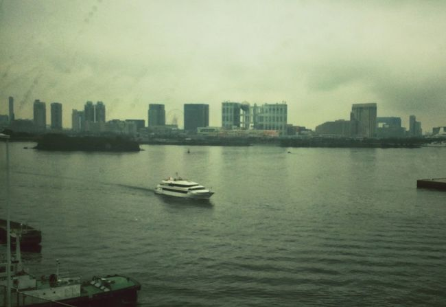 Post from my Flickr 365: 95/365 - 港 (Harbour) Life In Motion Tokyo Cloudy On The Move Tokyo Bay Melancholic Landscapes Beauty In Everything Urban Landscape
