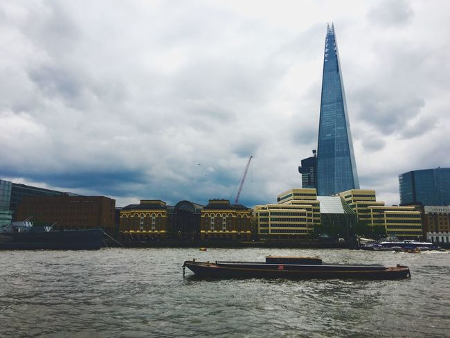 Taking Photos Architecture The Queen's Walk Photo Photography Sightseeing Taking Photos London LONDON❤ Walking Around The Shard The Shard, London