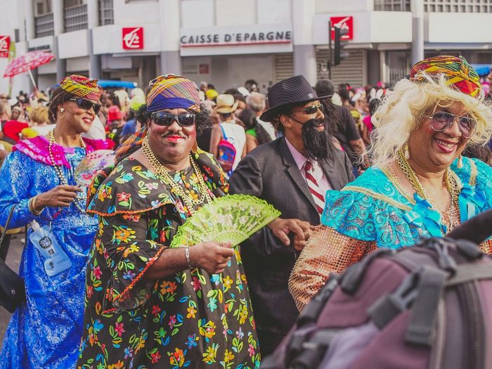 Lundi Gras - Mariage burlesque Colors Of Carnival Couple Colors Streetphotography Caribbean Fun Carnival Island Life EyeEm Best Shots - The Streets Costume Martinique
